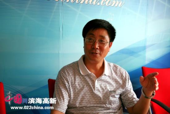 天津的画虾名家高天武做客中国网・滨海高新