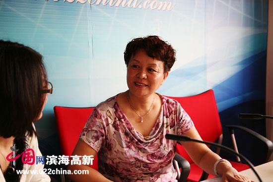 天津著名女书法家冼艳萍做客中国网・滨海高新