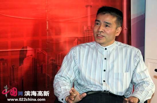 著名画家王洪毅做客中国网·滨海高