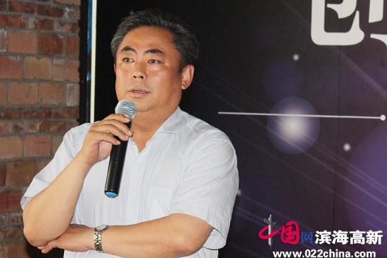 滨海新区文广局副局长张长海。