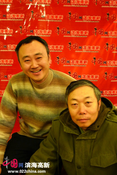 李翔与柴博森在一起。