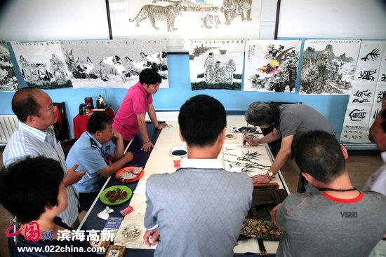 运河画院邀请来自天津市美协、天津市书协、天津美院、天津画院的书画家进行艺术指导。