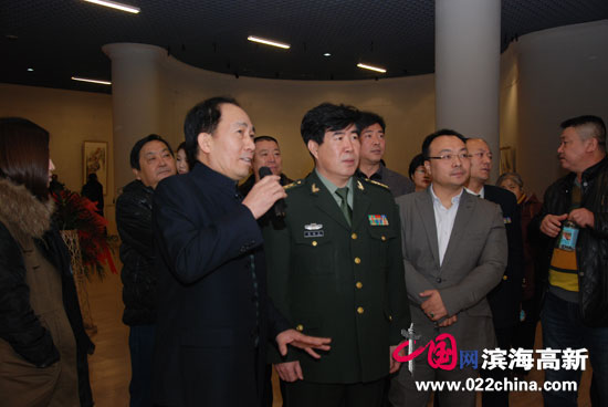 """""""西藏•遥远的眼神""""沈世铎个人画展在天津港博览馆举办"""