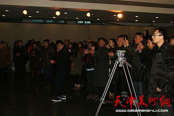 《水墨春秋》近现代水墨精品集首发式在天津美术学院举行。