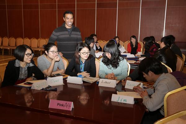 滨海高新区干部职工参加外教英语培训 全面提升综合素质