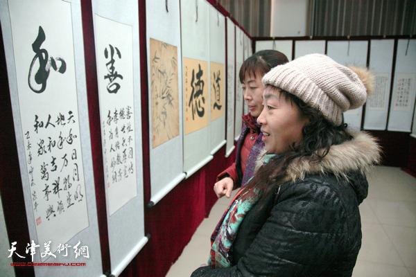王庆坨举办第七届金土地书画展 丰富百姓文化生活
