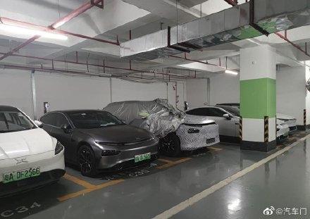 小鹏全新中大型SUV实车曝光:两个激光雷达、竞争蔚来ES6